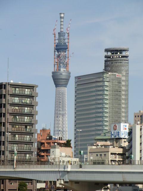東日本橋から見たスカイツリー