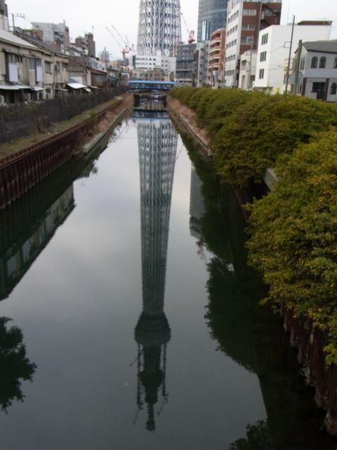 川面に映るスカイツリー
