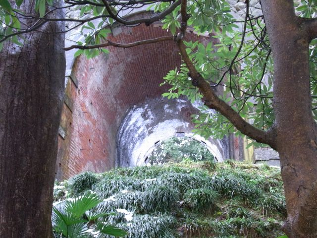 煉瓦のトンネル